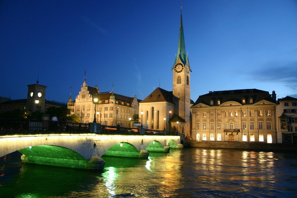 Zurich-at-night-switzerland