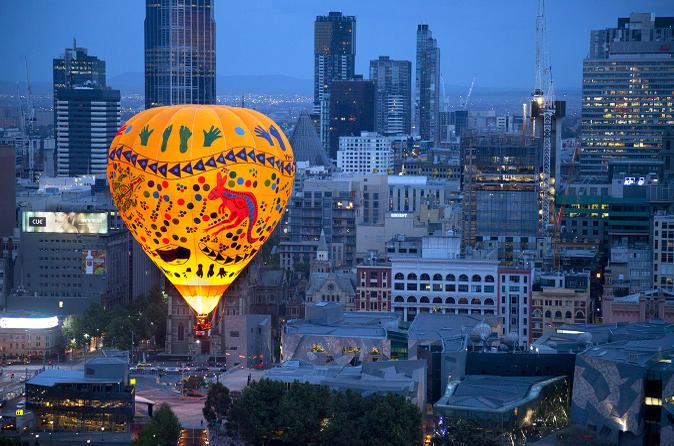 melbourne balloon flight at sunrise in melbourne Australia