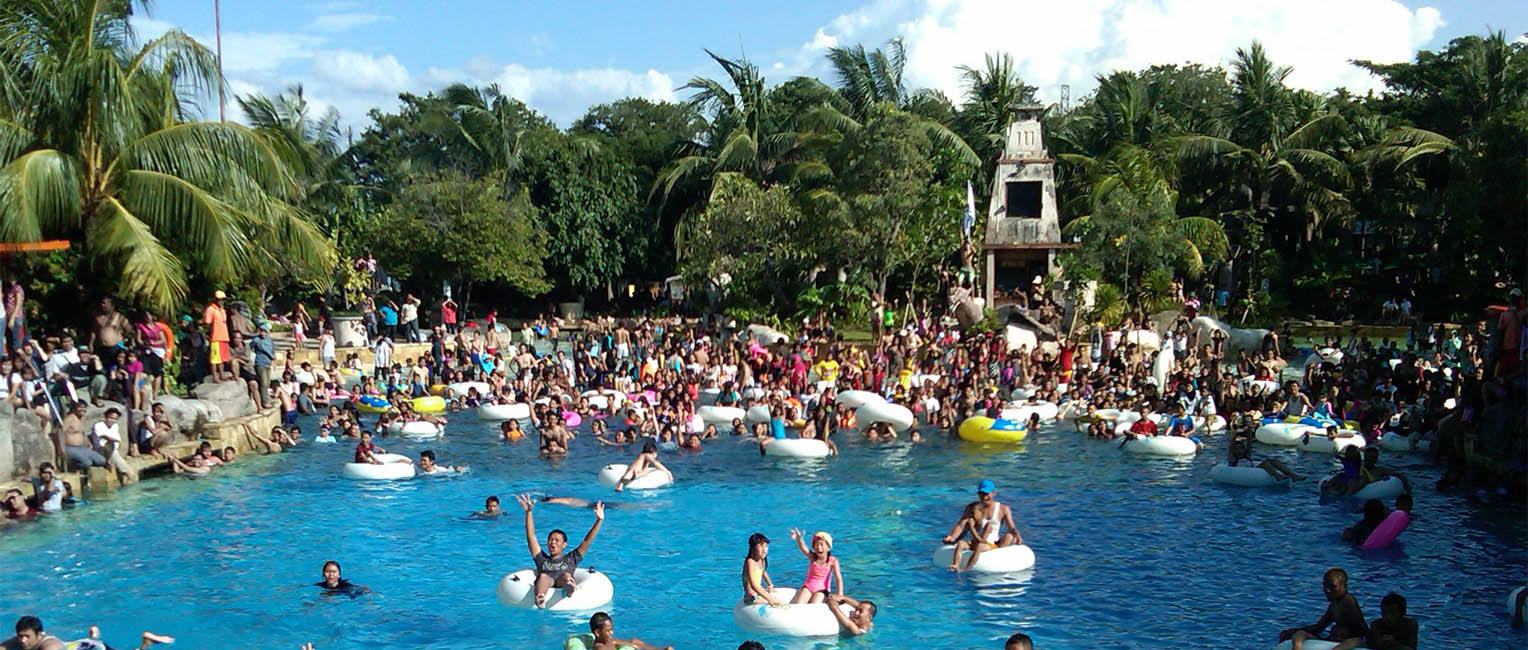 ancol dreamland indonesian theme park