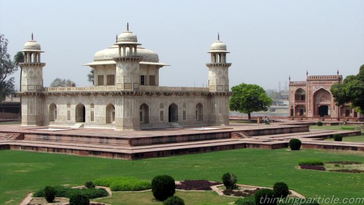 beautiful view of Itmad-ud-daulah