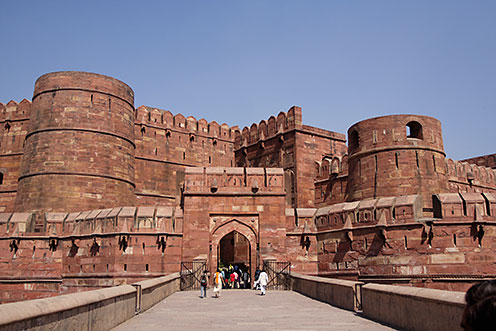 main gate of agra fort