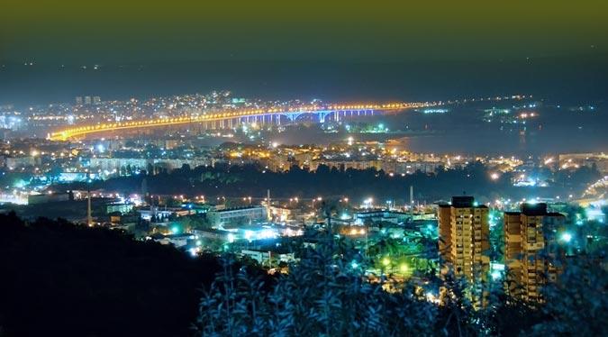 varna city at night