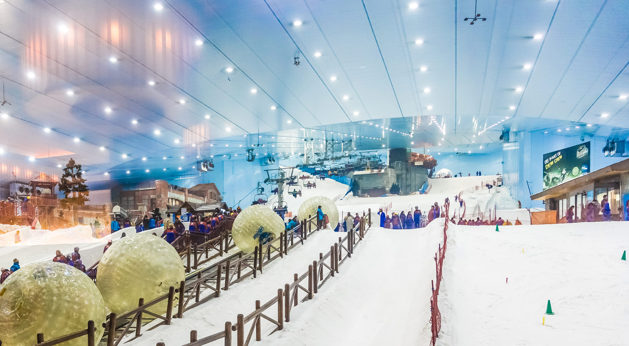beautiful view of ski dubai from inside
