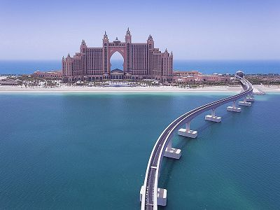 road lead to palm jumeirah
