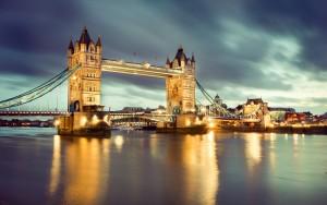 london bridge-night