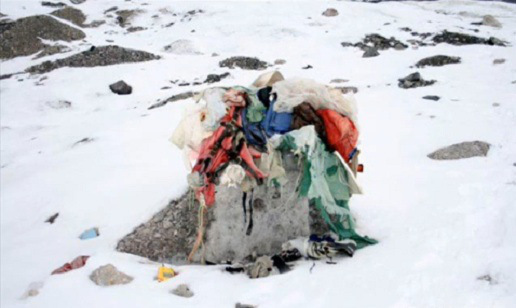 death bodies at mount everest