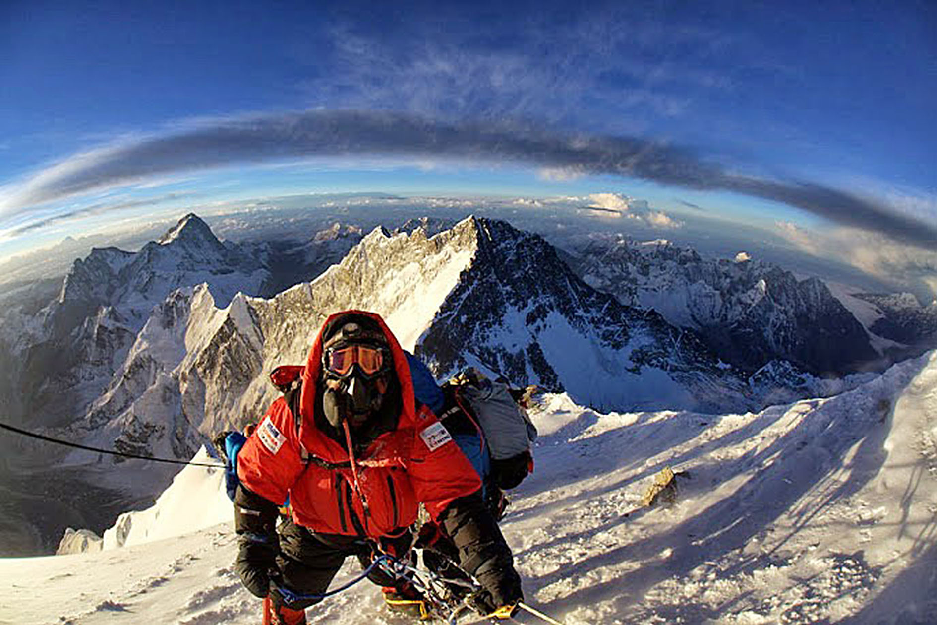 mount everest looking down