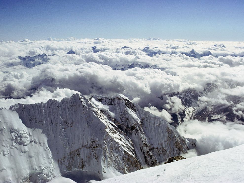 mount everest looking from the top