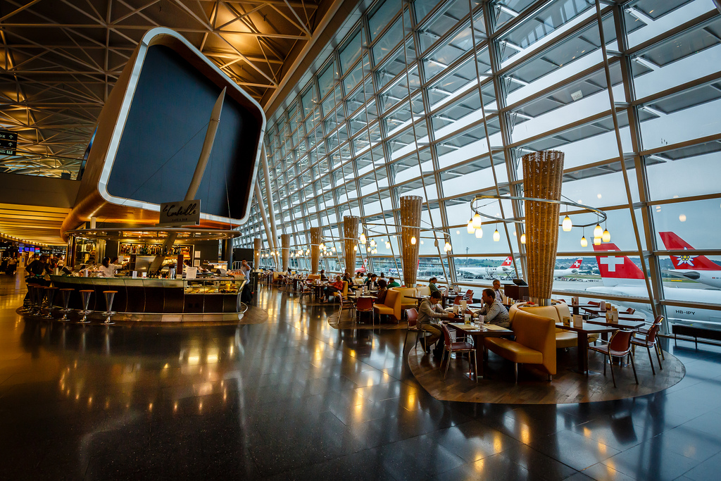 Zurich airport interior visit all over the world for Interior decoration zurich