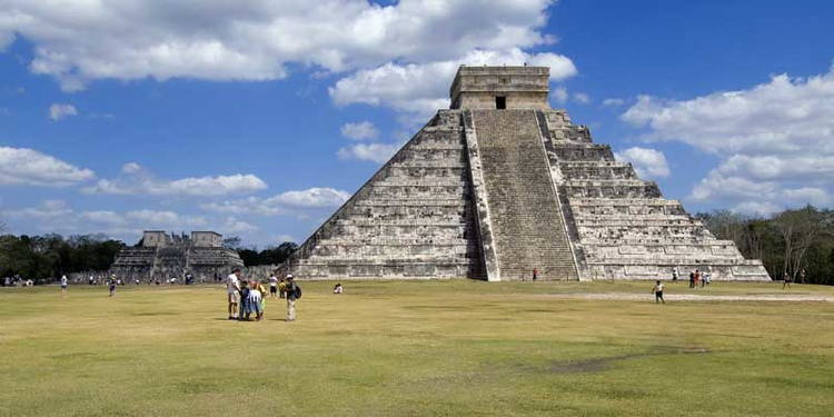 ancient mayan chichen itza