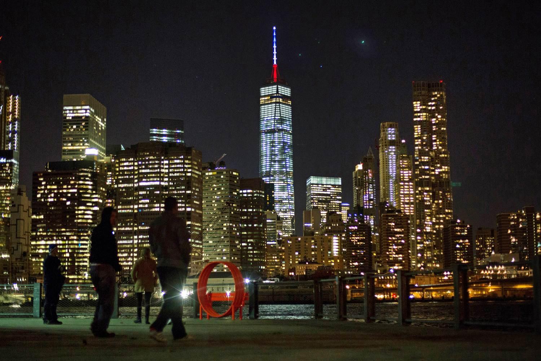 one world trade center at night