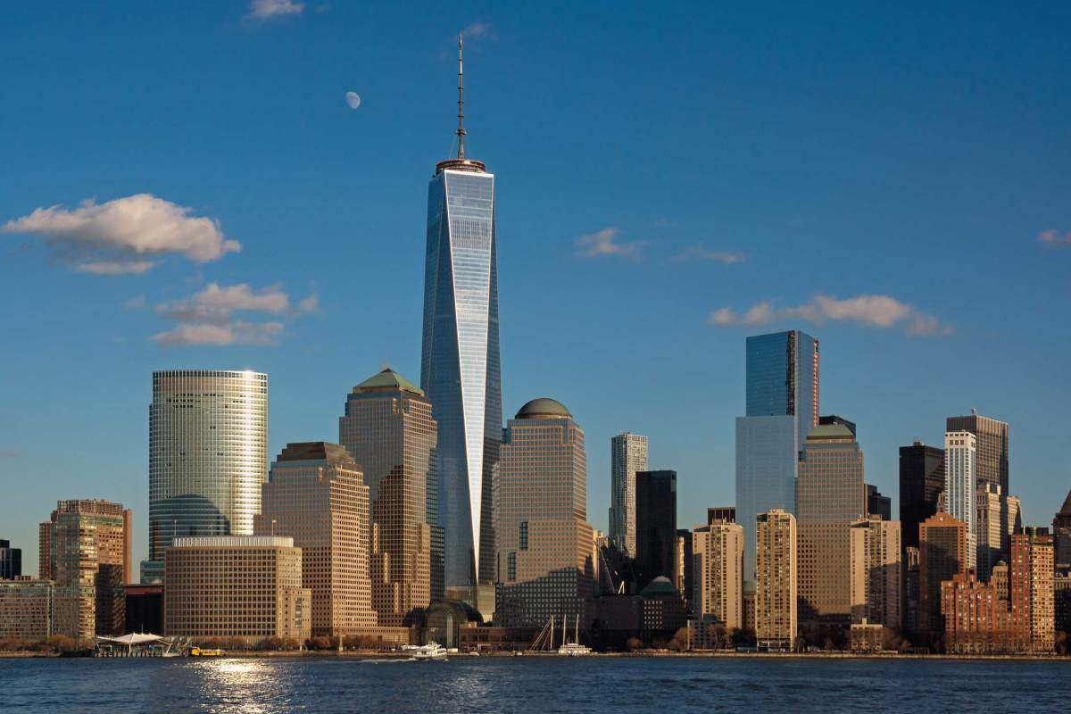 one world trade center with other buildings