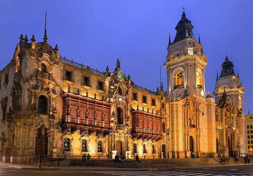 Archbishop's-Palace-Lima-at-Night