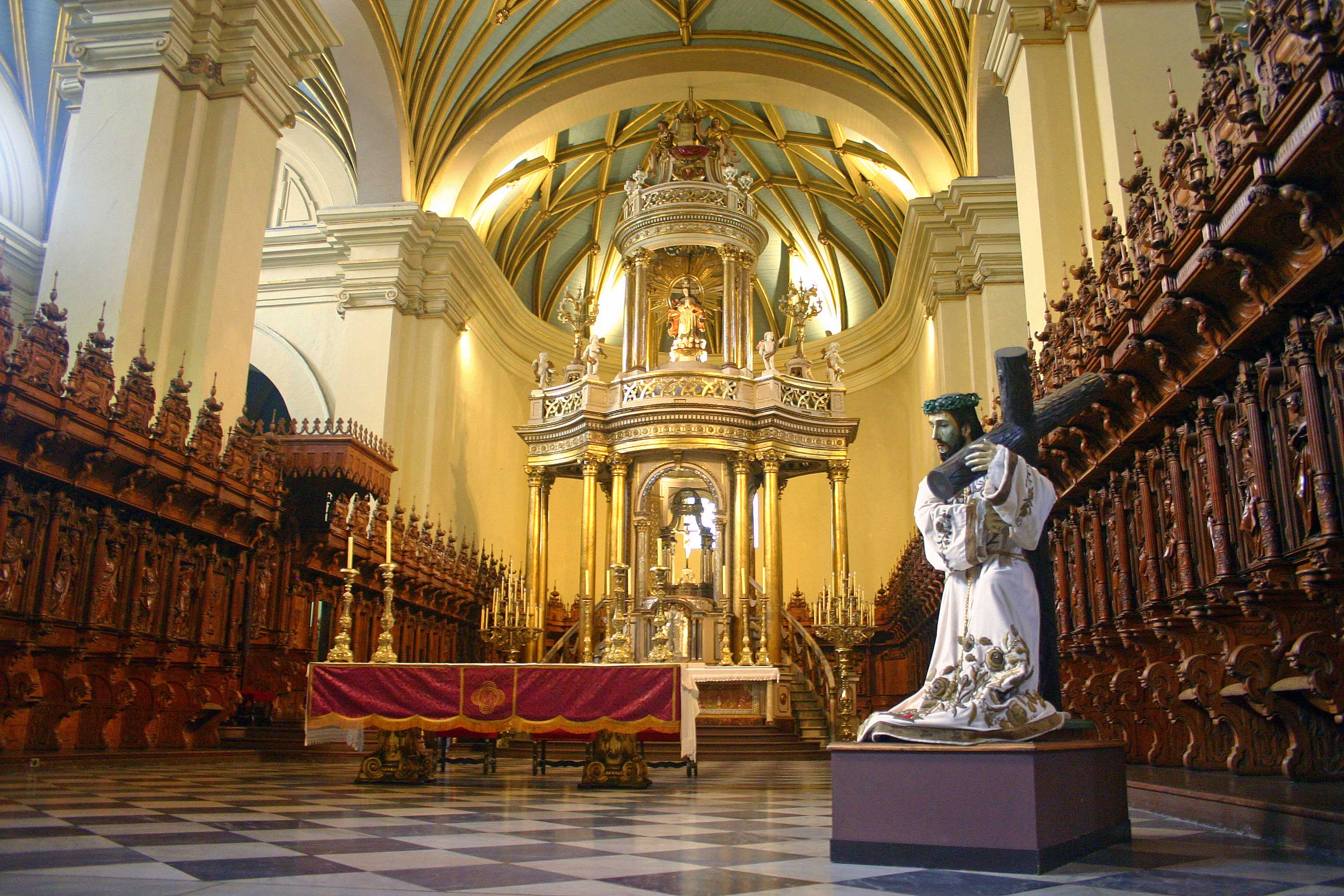 Cathedral_in_Lima_Peru