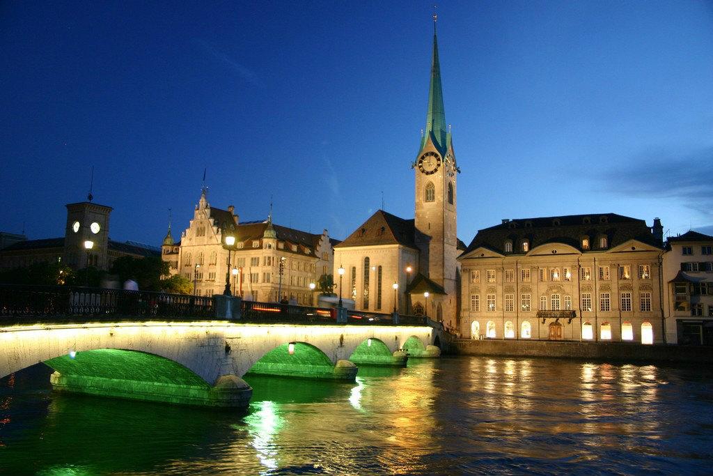 Zurich-at-night-switzerland