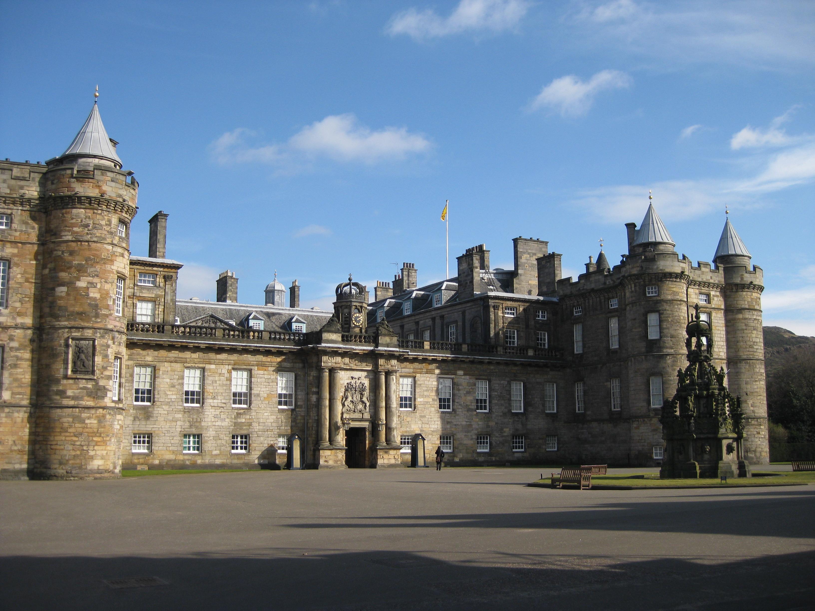 holyrood palace veiw