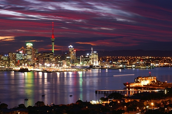 waitemata harbour at night