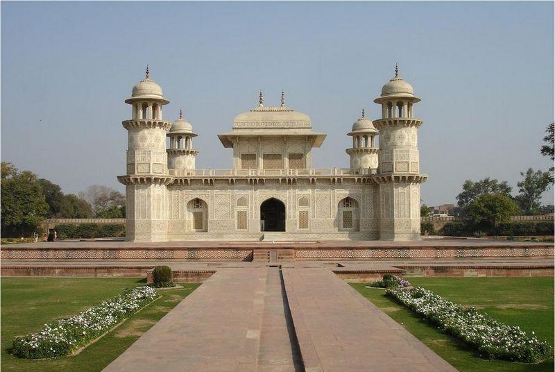 Itmad-Ud-Daulah tomb, agra