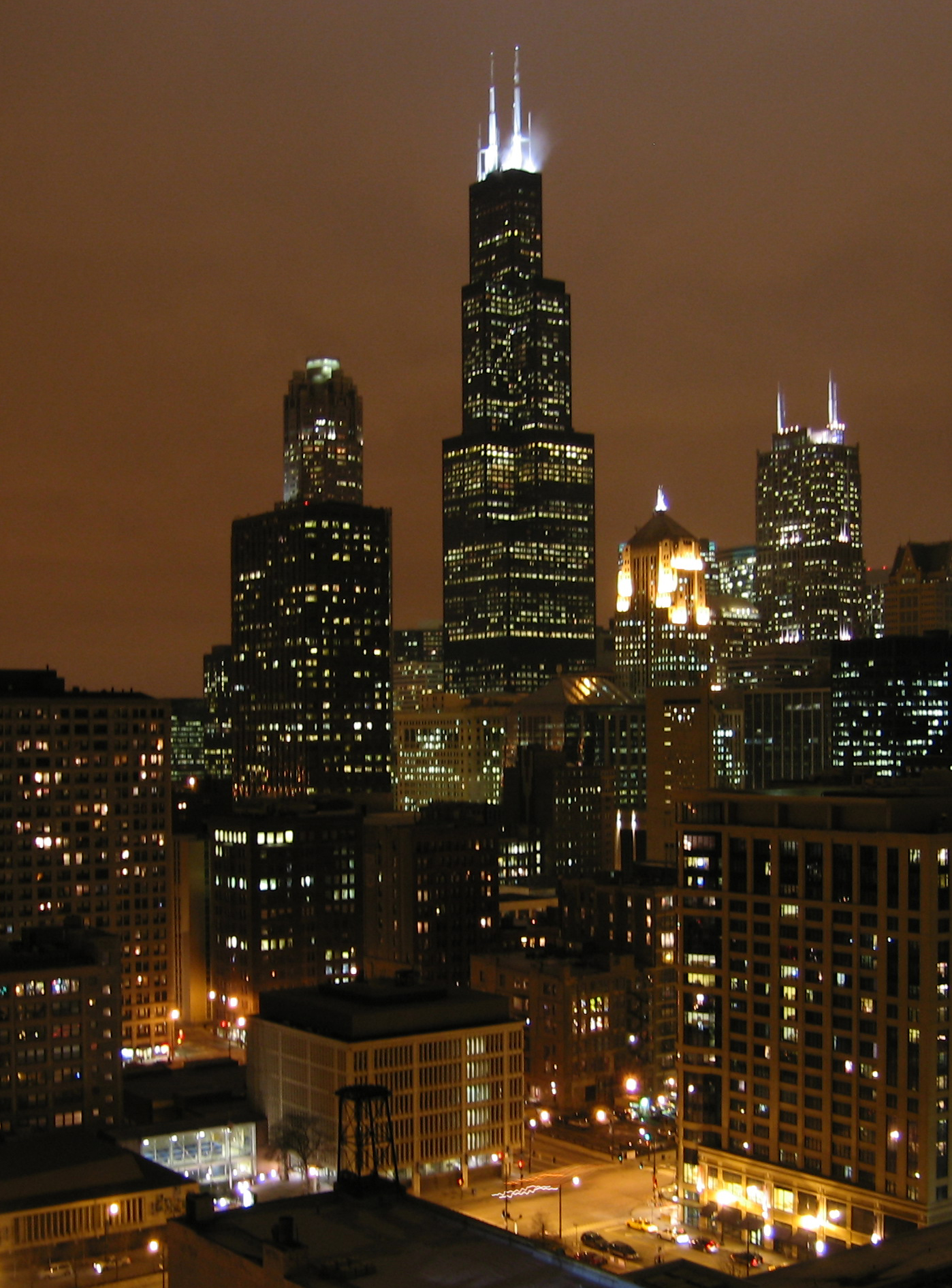 willis tower at night