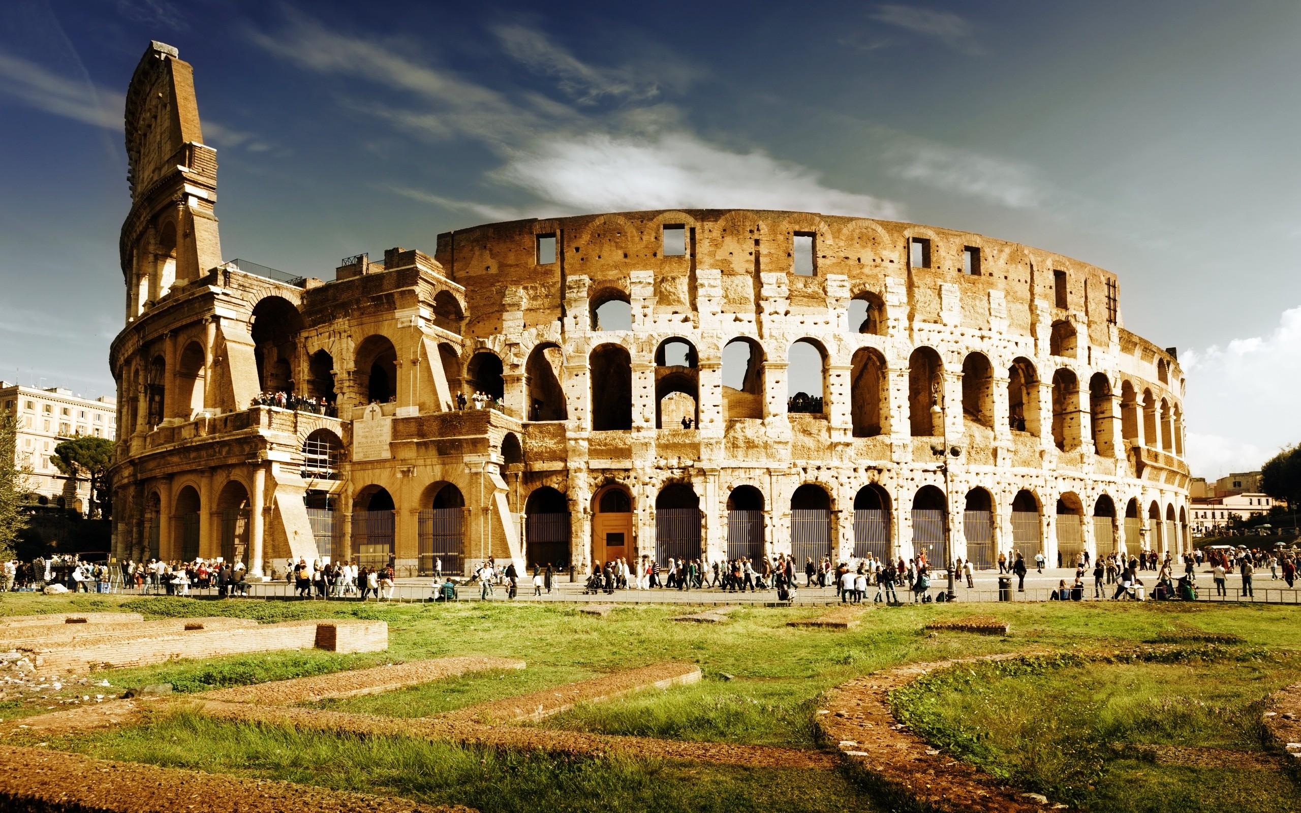 outside of Colosseum