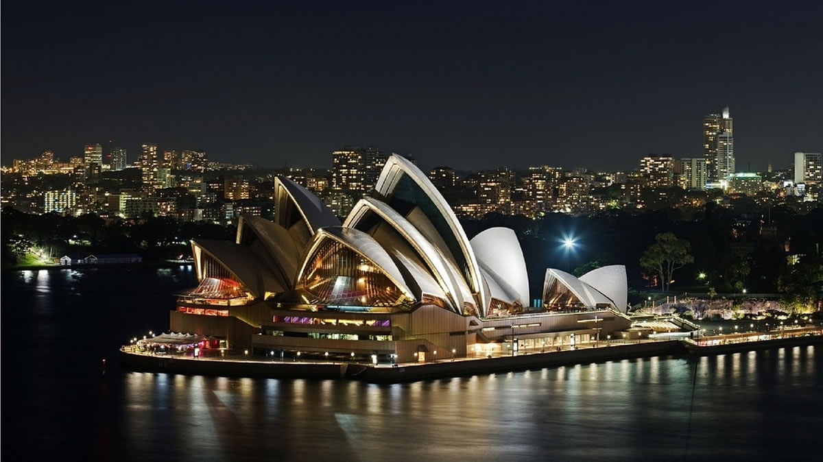 Sydney Opera House At Night Beautiful View