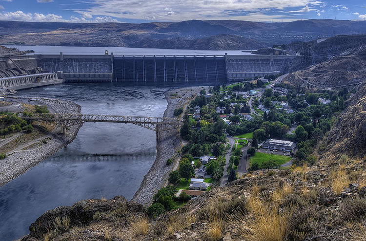 coulee dam divorced singles The green oasis at the foot of grand coulee dam.
