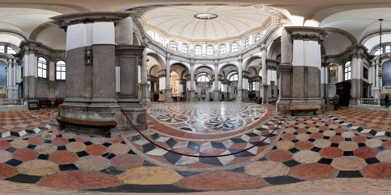 Santa Maria della Salute interior